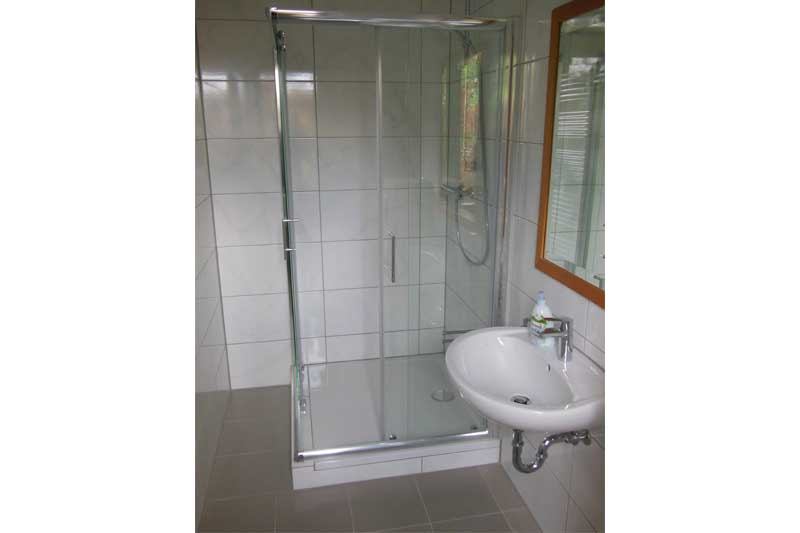 Dusche im Boardinghouse - Doppelzimmer